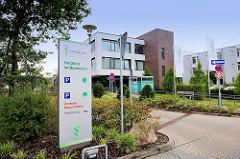 Eingang Paracelsus-Klinik in Henstedt-Ulzburg, Ortsteil Rhen.