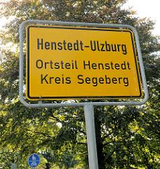 Ortsschild Henstedt-Ulzburg, Ortsteil Henstedt, Kreis Segeberg.