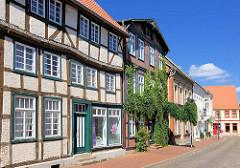 Historische, denkmalgeschützte Architektur am Alten Markt in Parchim.