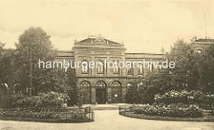 Historisches Foto vom Eingangsgebäude vom Krankenhaus in Hamburg Eppendorf, ca. 1910.