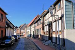 Wohnhäuser - Fachwerkarchitektur in Neustadt Glewe / Wasserstrasse.