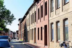 Einstöckige Wohnhäuser - Häuserzeile Neue Mauerstrasse / Parchim.