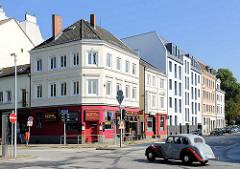 Gründerzeitgebäude am Eppendorfer Marktplatz - Heinickestrasse in Hamburg Eppendorf.