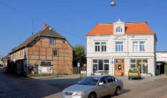 Restaurierte Wohnhaus / Geschäftshaus - klassizistische Gründerzeitarchitektur - Fachwerkhaus in der Grossen Friedhofstrasse.