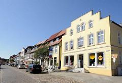 Wohn- und Geschäftshäuser an der Steinstrasse in Plau am See.