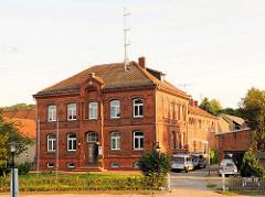 Ehem. Amtsgericht in Plau am See, Backsteingebäude erbaut 1879 - jetzt Polizeistation.