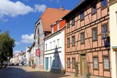Restaurierte historische Wohnhäuser / Geschäftshäuser Lange Strasse Parchim.