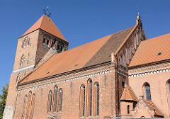 Backsteinkirche / Pfarrkirche St. Marien in Plau am See - Grundsteinlegung 1225 -  Hallenkirche westfälischen Typs, in einem Mischstil von Romanik und Gotik.