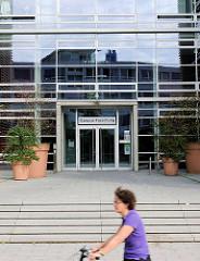 Universitätskrankenhaus Eppendorf - Neubau, Eingang Campus Forschung.