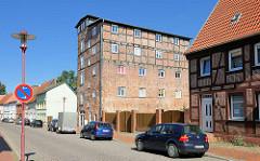 Historisches Speichergebäude mit Fachwerk in Parchim - zum Wohnhaus umgebaut.