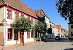 Restaurierte historische Wohnhäuser, Geschäftshäuser in Neustadt-Glewe.