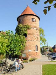 Historischer spätromanischer Amtsturm in Lübz, erbaut 1308 - Rest der Eldenburg;