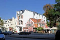 Fachwerkhaus aus dem 17. Jahrhundert in der Ludolfstrasse in Hamburg Eppendorf - Brahms Stuben; Gründerzeitgebäude.