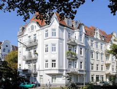 Mehrstöckige Wohnhäuser, Wohnblock der Gründerzeit in Hamburg Eppendorf, Eppendorfer Landstrasse.