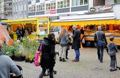 Bio-Wochenmarkt in Hamburg Winterhude - Winterhuder Marktplatz.