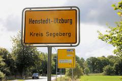 Ortsschild Henstedt-Ulzburg, Kreis Segeberg - Strassenschild.