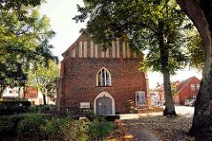 Marienkirche in Neustadt-Glewe; frühgotischer, turmloser Backsteinbau; Ursprungsbau aus dem 14. Jahrhundert.