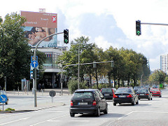 Hamburg St. Pauli - Blick zum ehem. leerstehende Bowlinggebäude Reeperbahn / Millerntor ( 2001)