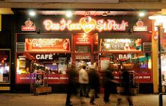 Restaurant / Bar / Club Das Herzblut von St. Pauli am Spielbudenplatz / Reeperbahn - Hamburg St. Pauli vor seiner Schliessung im Dezember 2013 wg. Baufälligkeit der Esso Häuser.
