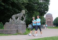 Kunst im öffentlichen Raum Hamburgs - Skulpturen im Stadtpark.