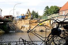 Abriss der Deelbögenbrücke über die kanalisierte Alster in Hamburg Alsterdorf - Bilder aus den Hamburger Stadtteilen.