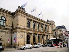 Historische Gebäude der Hansestadt Hamburg - Börse am Adolphsplatz; errichtet 1841. Bilder aus Hamburg-Altstadt.