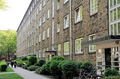 Bilder Hamburger Architektur - gelbe Klinkerbauten, Bausenator Gustav Oelsner - Wohnanlage Helmholtzstrasse - Fotos aus dem Hamburger Stadtteil Ottensen.