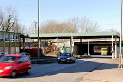Freie Durchfahrt durch die Zollstation Hamburg Veddel - eine Zollkontrolle findet dort nicht mehr statt.