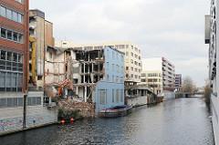 Gebäude - Abriss, Hammerbrooker Mittelkanal.