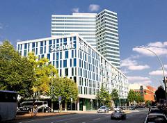 Hotelgebäude SCANDIC - moderne Architektur Hamburgs - Fotos aus dem Stadtteil NEUSTADT; ehem. Unileverhochhaus modernisiert.