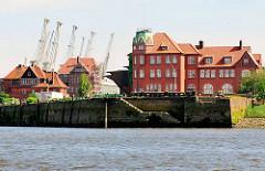 Hansahöft und historische Hafenbauten im Hamburger Hansahafen - Bilder vom Kleinen Grasbrook.