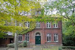 historische Architektur - Ziegelgebäude Steinbeker Hauptstrasse.