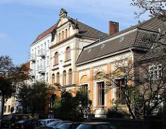 Historische Wohnhäuser, Seitenstrasse Hamburg Uhlenhorst.