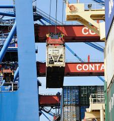 Arbeit im Hamburger Container Hafen - Containerterminal Hamburg Altenwerder.