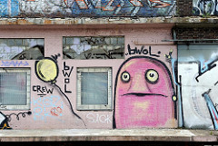 Graffiti an der Laderampe der Gebäude / Backsteinensemble Brandshofer Deich, Billehafen.