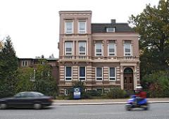 Historisches Gebäude - alte Architektur, Gründerzeit Hamburger Stadtteil Eidelstedt Kieler Strasse.