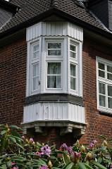 Erkerfenster - Lankenaustift - Nebengebäude; Architekturgeschichte Hamburgs.