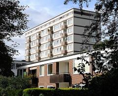 Wohnungen in Hamburg - Architektur in Neugraben Fischbek - Hochhaus und Reihenhaus.
