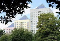 Hochhäuser in der Grosssiedlung Hamburg Lohbrügge Nord - Dächer mit Fotovoltaikanlagen.