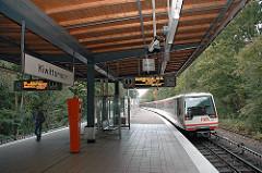 U-Bahnstation Kiwittsmoor, Bahnsteig - U-Bahnzug - Hamburg Langenhorn.