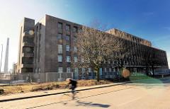 Historische Industriearchitektur Hamburgs - alte GEG Großeinkaufs-Gesellschaft Deutscher Consumvereine Gebäude auf der Veddel. Der Fabrikkomplex  stellt ein Denkmal der Arbeiterbewegung dar und sollte komplett abgerissen werden.