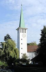 Kirchturm der Friedenskirche in HH-Jenfeld - Bilder aus dem Stadtteil.