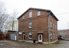 Stillgelegte Betriebsgebäude / Verwaltungsgebäude - Hansenspeicher im Harburger Binnenhafen. (2009)