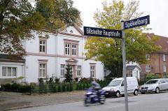 Strassenschild und Gründerzeitgebäude Billstedter Hauptstrasse