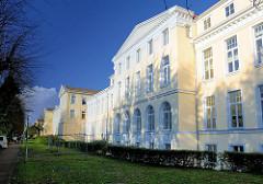 Restaurierte Fassaden des Krankenhauses in Hamburg St. Georg - Asklepios Klinik St. Georg - älteste Klinik der Stadt Hamburg; ehem. allgemeines Krankenhaus - ab 1823 erbaut, Architekt Carl Ludwig Wimmel.