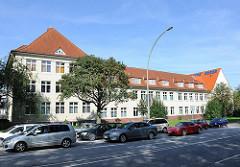 Gebäude Zentrum Ost der Volkshochschule am Berner Heerweg - Stadtteil Hamburg Farmsen Berne.