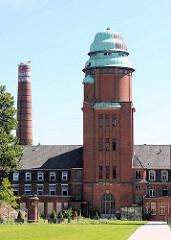 Wasserturm und Schornstein - Bilder vom ehem. Hamburger Krankenhaus Barmbek Nord.