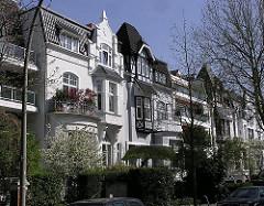 Herschaftliche Villenbebauung in der Agnesstrasse - Wohnen in Hamburg Winterhude.