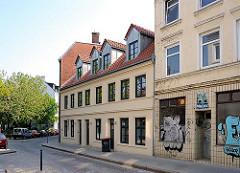 Bilder von Hamburgs historischer Architektur - Wohnhäuser in der Zeißstrasse von Hamburg Ottensen, Bezirk Altona.