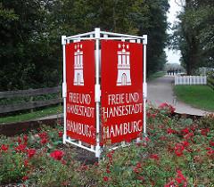 Hamburger Stadtteil Insel Neuwerk - Schild der Freien und Hansestadt Hamburg auf der Insel.